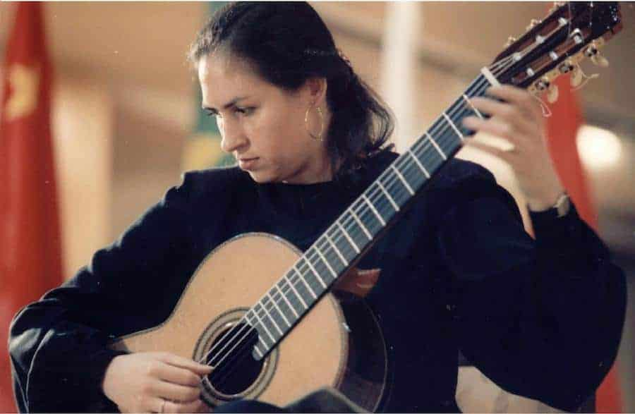 Classical Guitar | Ileana Matos at Knox Presbyterian
